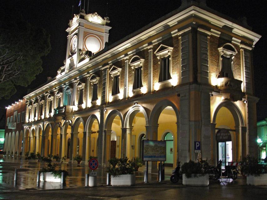 Illuminazione edifici storici municipio di morciano diflumeri